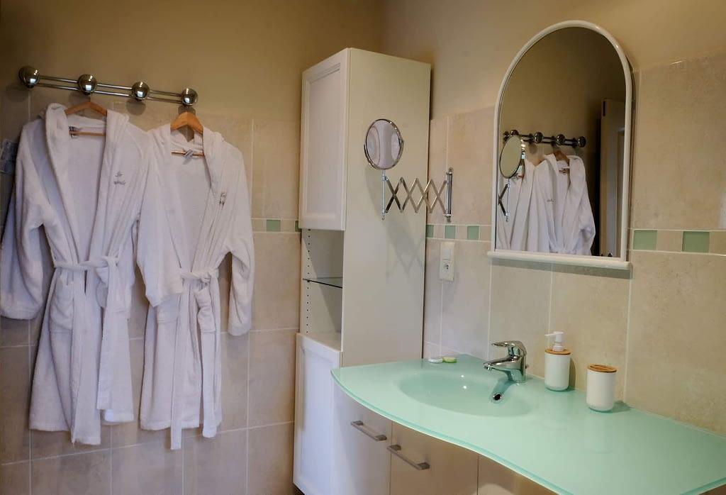 salle de bain du gîte Les Pousterles à Brignac, Hérault