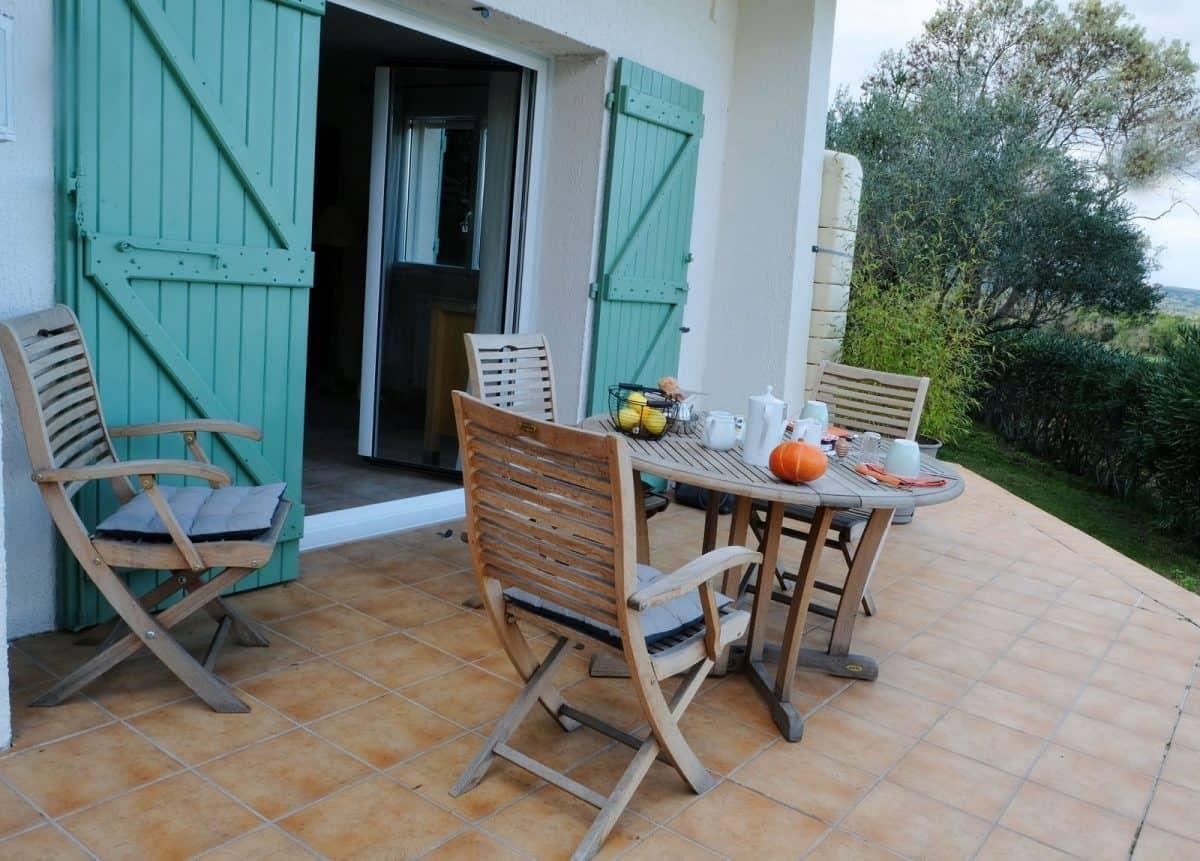 terrasse du gîte les Pousterles