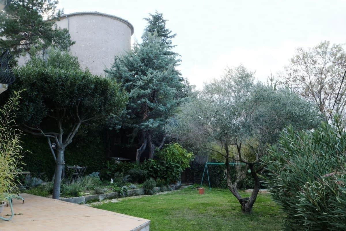 jardin du gîte les Pousterles